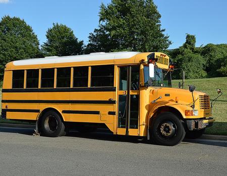school-bus-2122395_640